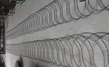 平铺型刀片刺绳