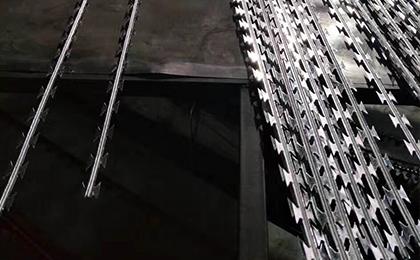 直线型刀片刺绳